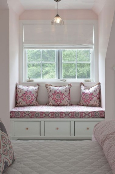 Stunning Window Seat Ideas With Padded Seat And Storage Below17