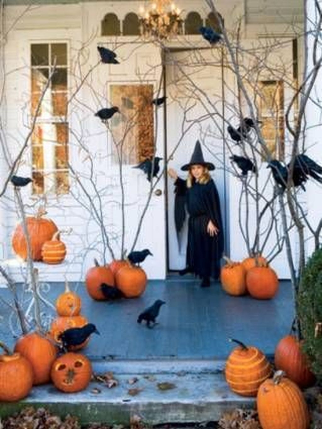 Stylish Wicked Halloween Porch Decorating Ideas On A Budget06