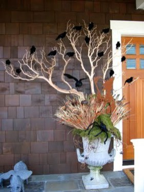 Stylish Wicked Halloween Porch Decorating Ideas On A Budget07