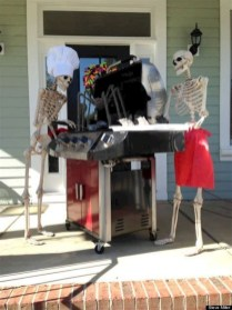 Stylish Wicked Halloween Porch Decorating Ideas On A Budget08