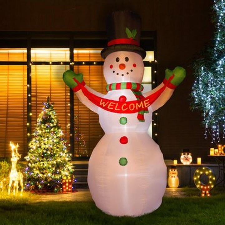 Attractive Front Yard Christmas Decoration Ideas01
