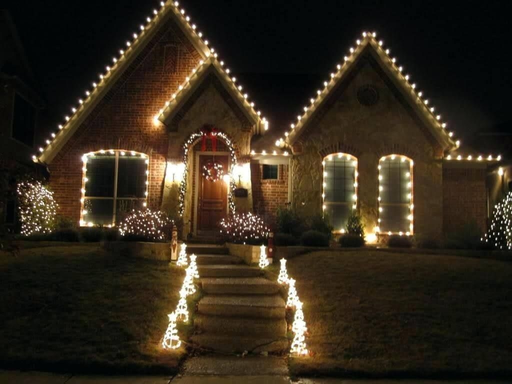 Attractive Front Yard Christmas Decoration Ideas16