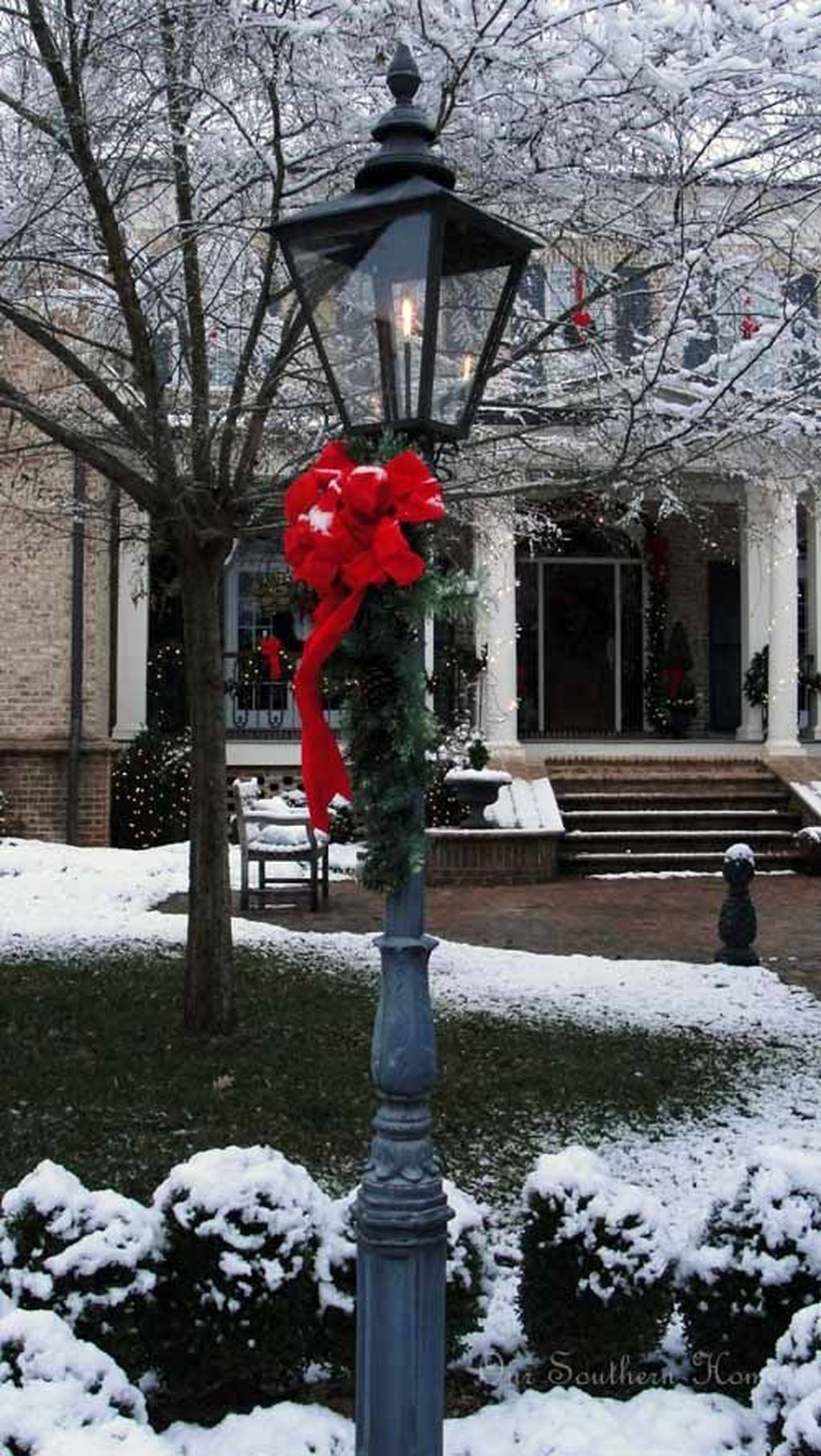 Attractive Front Yard Christmas Decoration Ideas33