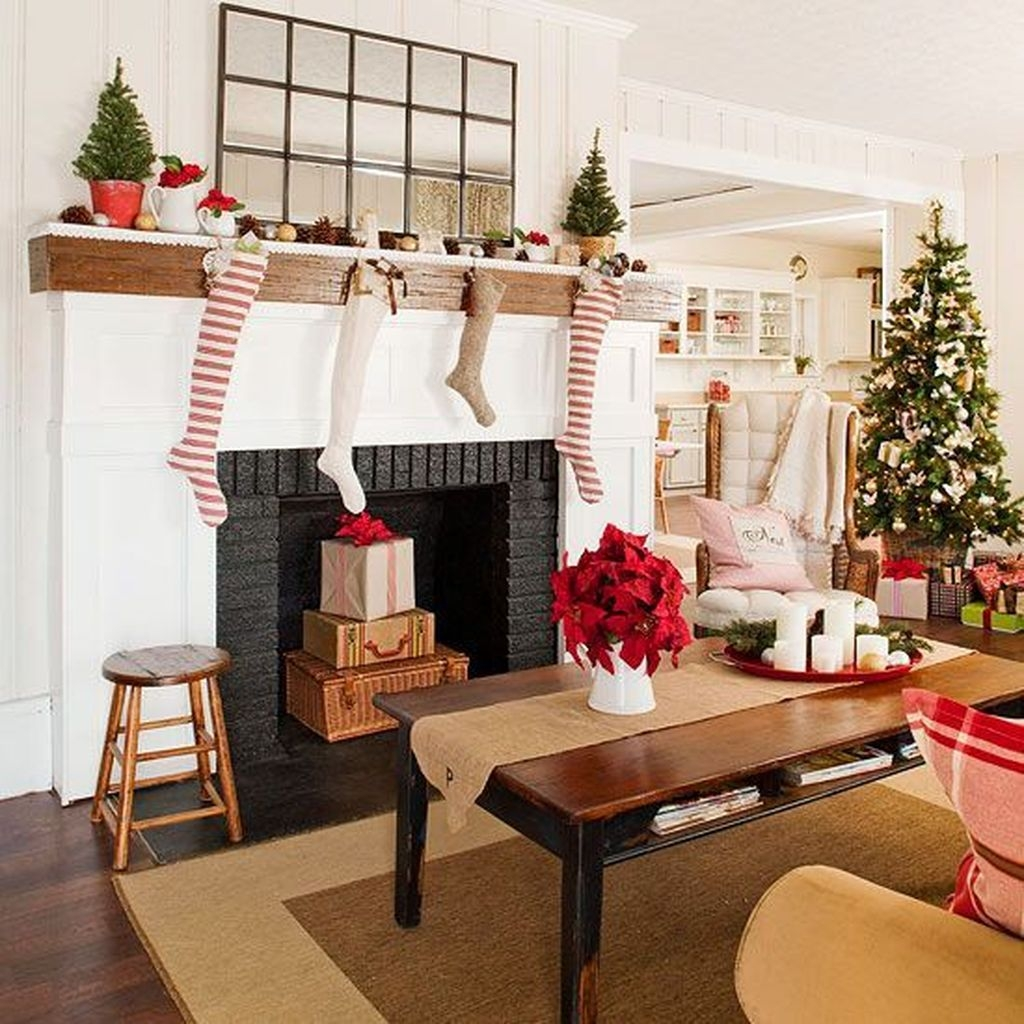 Awesome Vintage Christmas Living Room Decoration Ideas14