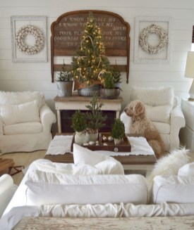 Awesome Vintage Christmas Living Room Decoration Ideas46