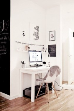 Comfy Home Office Design Ideas For Small Apartment31