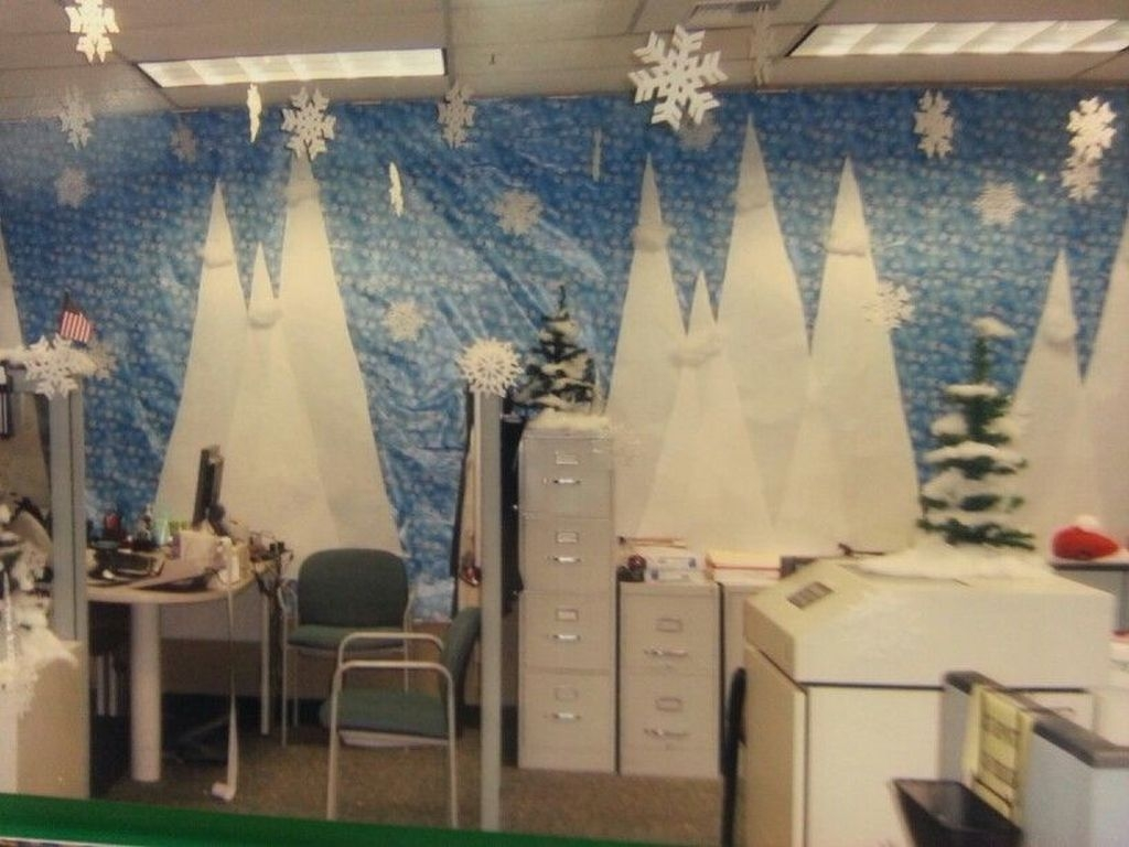 Gorgeous Office Christmas Decoration Ideas19