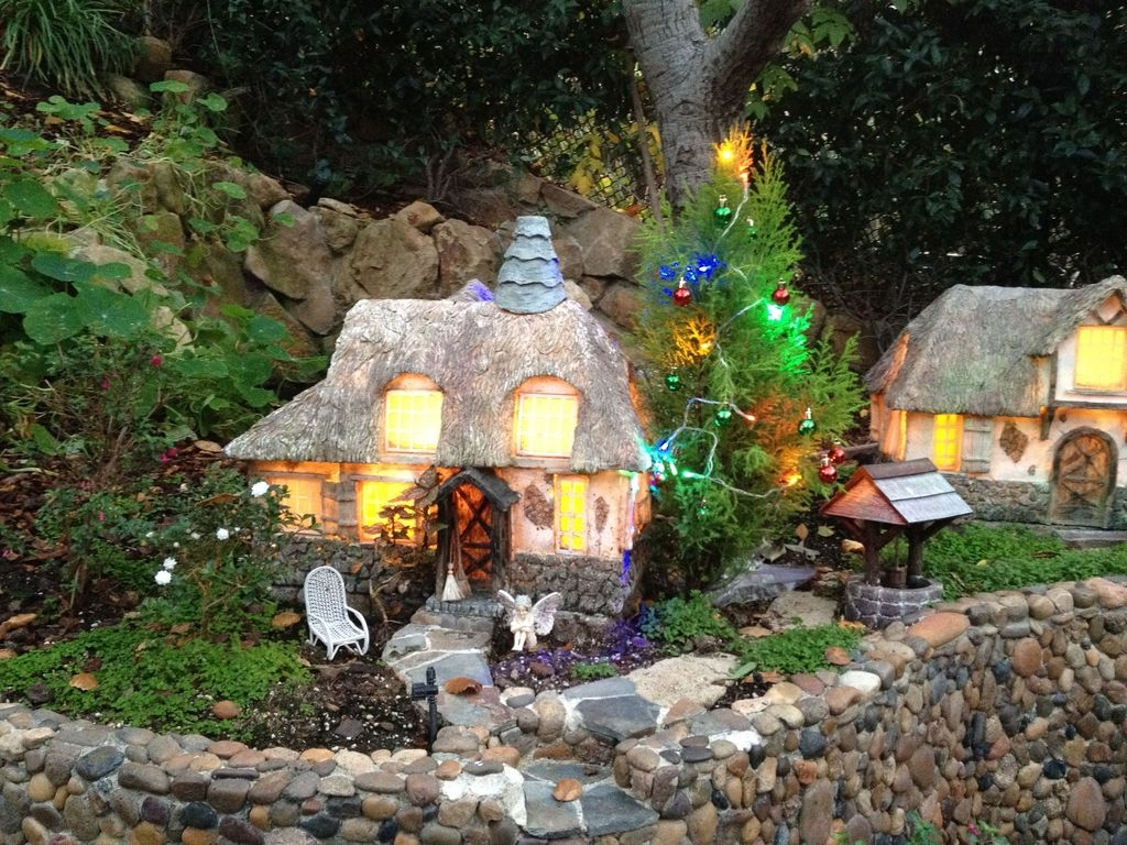 Inspiring Diy Fairy Garden Christmas Ideas03