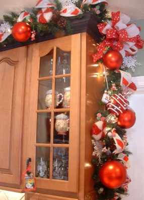 Lovely Christmas Kitchen Decorating Ideas25