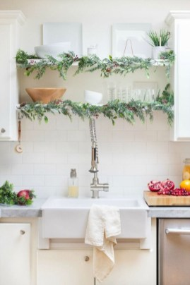 Lovely Christmas Kitchen Decorating Ideas33