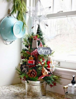 Lovely Christmas Kitchen Decorating Ideas34