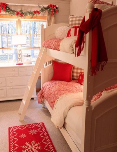 Perfect Christmas Bedroom Decorating Ideas29