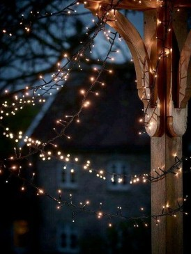 Vintage Outdoor Winter Lights Decoration Ideas38