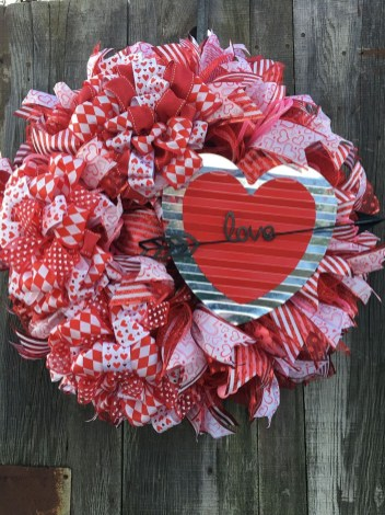 Affordable Outdoors And Indoors Signs Ideas For Valentines Day05