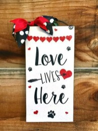 Affordable Outdoors And Indoors Signs Ideas For Valentines Day37