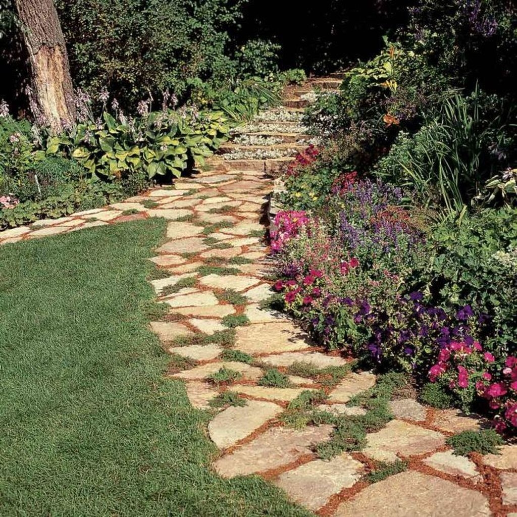 Inspiring Stepping Stone Pathway Decor Ideas For Your Garden23