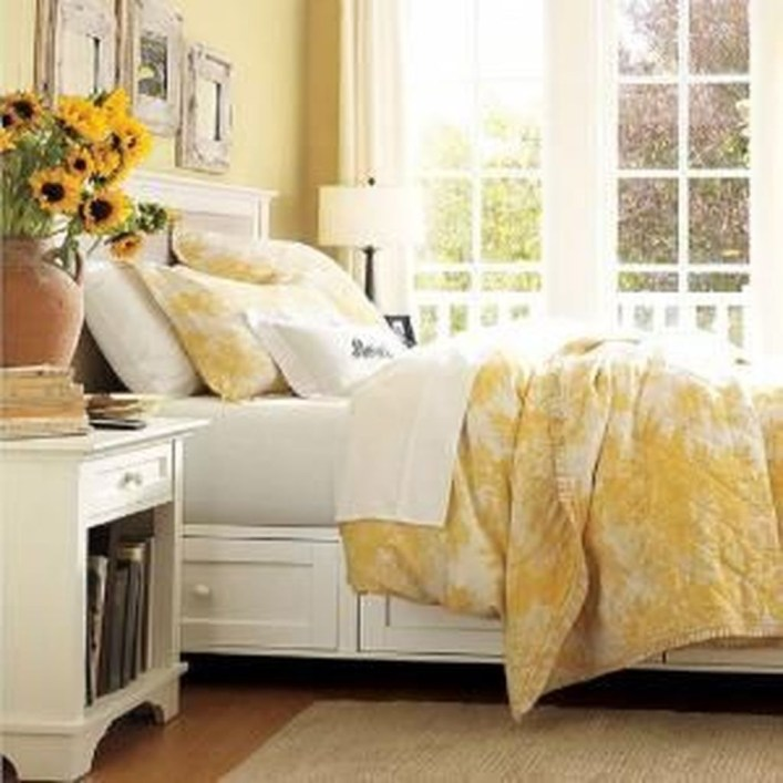 Perfect Yellow Bedroom Decoration And Design Ideas14