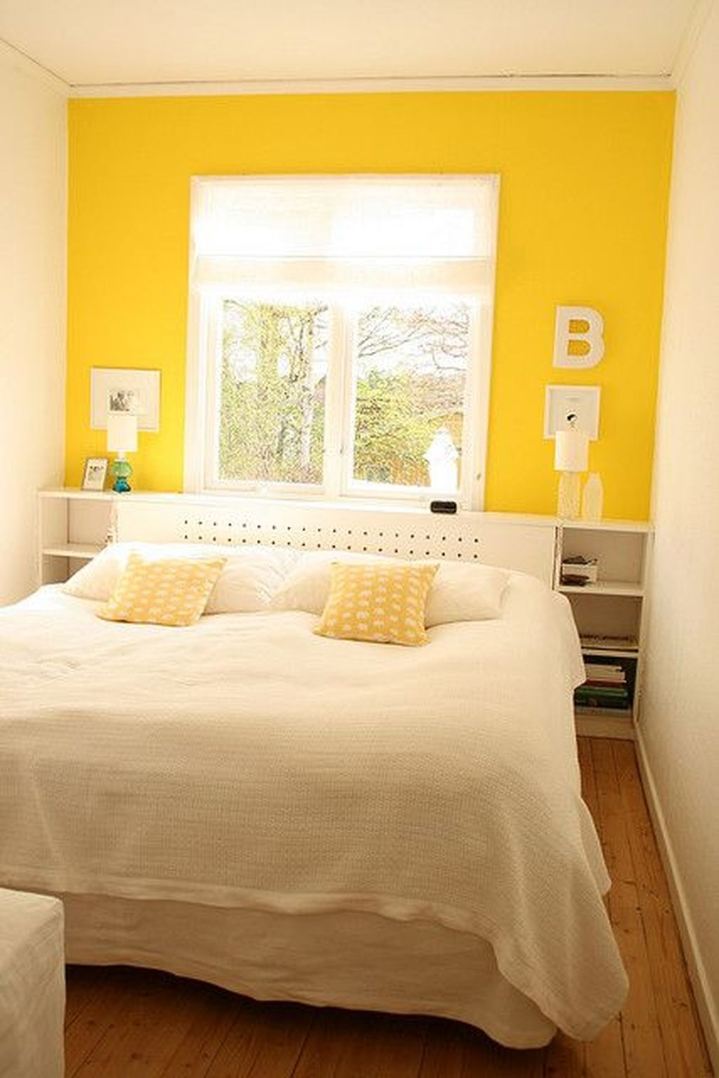 Perfect Yellow Bedroom Decoration And Design Ideas22