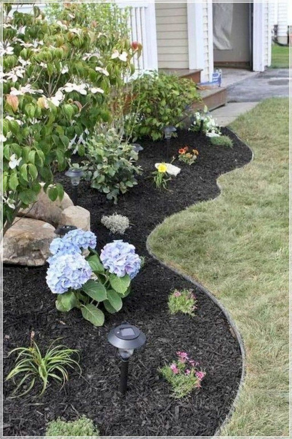 Pretty Front Yard Landscaping Ideas21