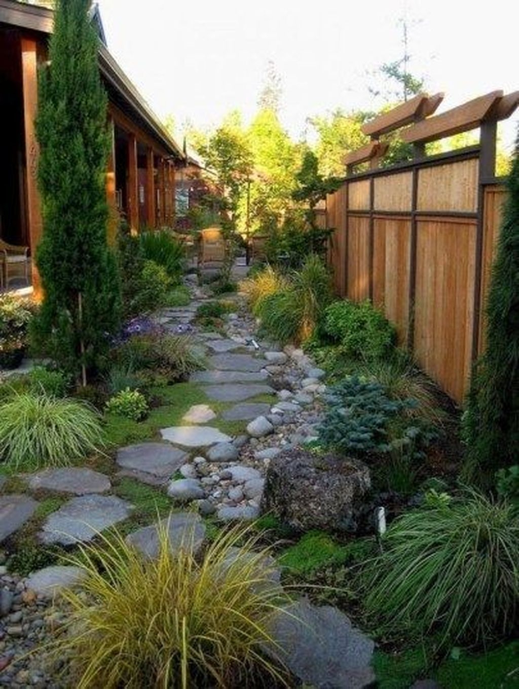 Pretty Front Yard Landscaping Ideas26