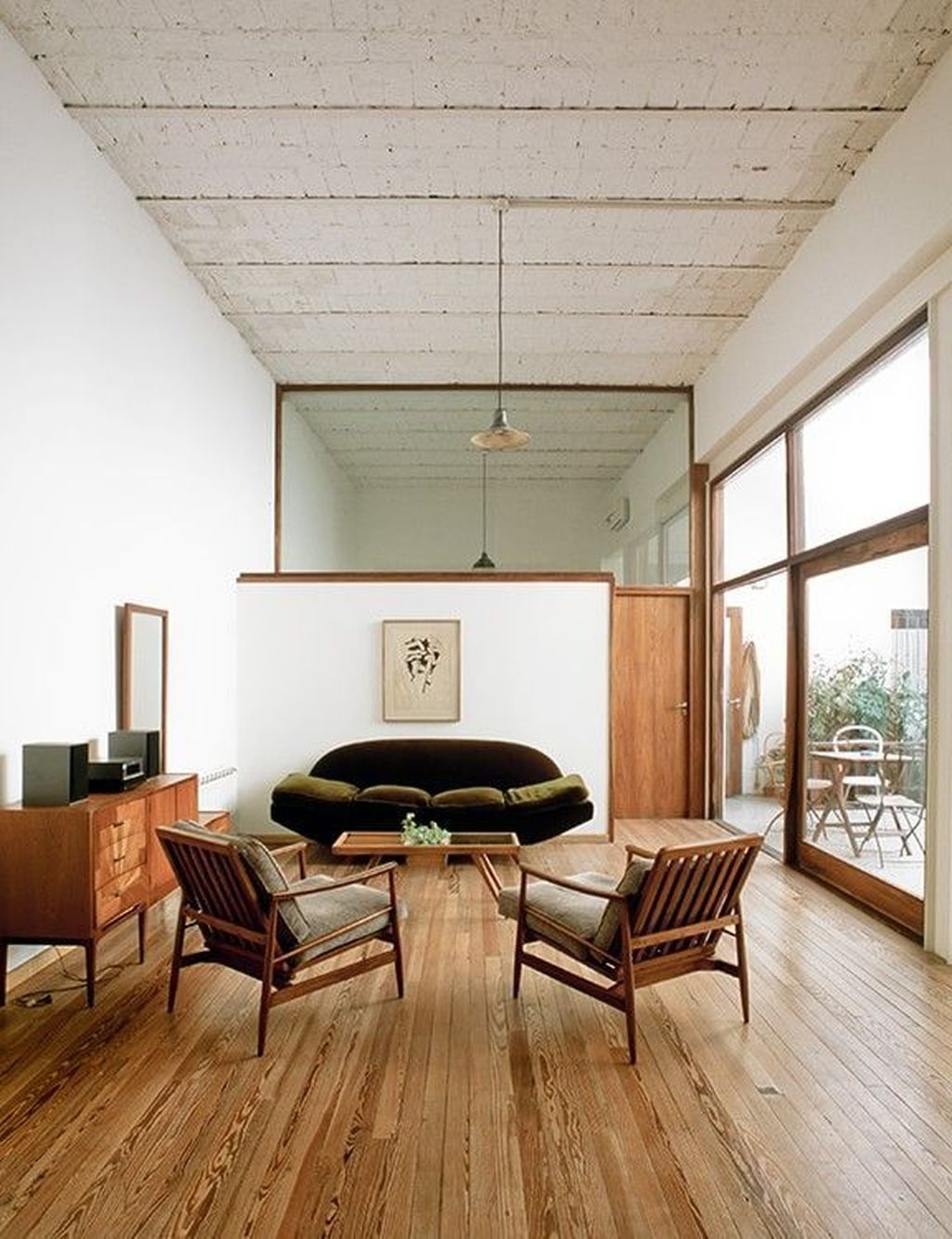 Relaxing Mid Century Modern Living Room Decor Ideas25