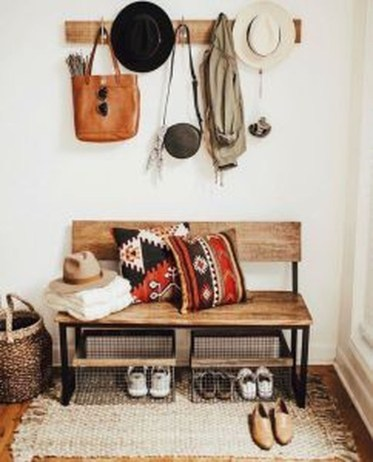 Awesome Mudroom Entryway Decorating Ideas44
