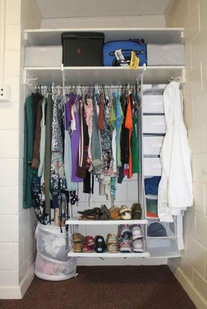 Brilliant Dorm Room Organization Ideas On A Budget06