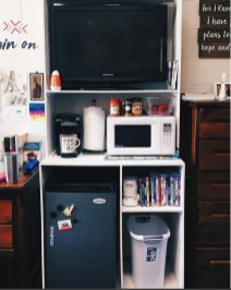 Brilliant Dorm Room Organization Ideas On A Budget13