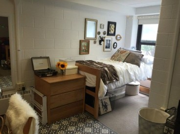 Brilliant Dorm Room Organization Ideas On A Budget21