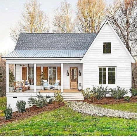 Cheap Farmhouse Exterior Design Ideas27