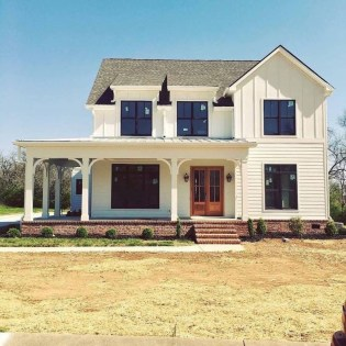 Cheap Farmhouse Exterior Design Ideas41
