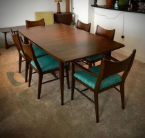 Cool Mid Century Dining Room Table Ideas31