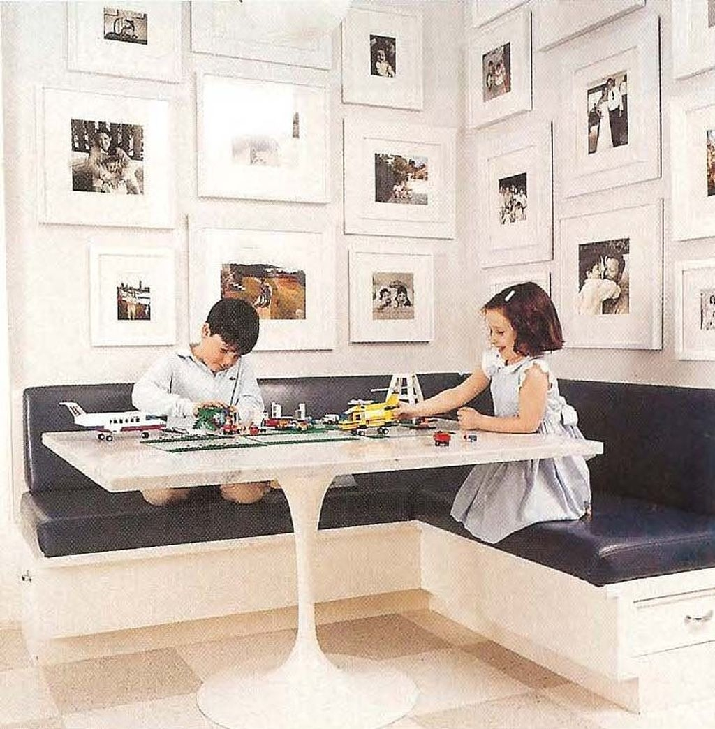 Creative Banquette Seating Ideas For Kitchen23