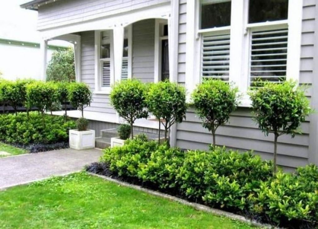 Inexpensive Front Yard Landscaping Ideas34
