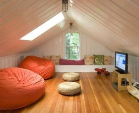 Affordable Attic Kids Room Decor Ideas27
