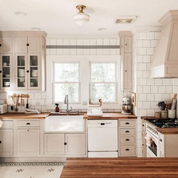Captivating White Cabinets Design Ideas For Kitchen09
