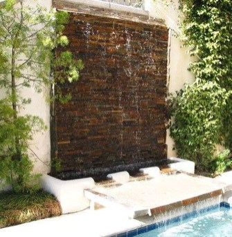Stylish Outdoor Water Walls Ideas For Backyard08