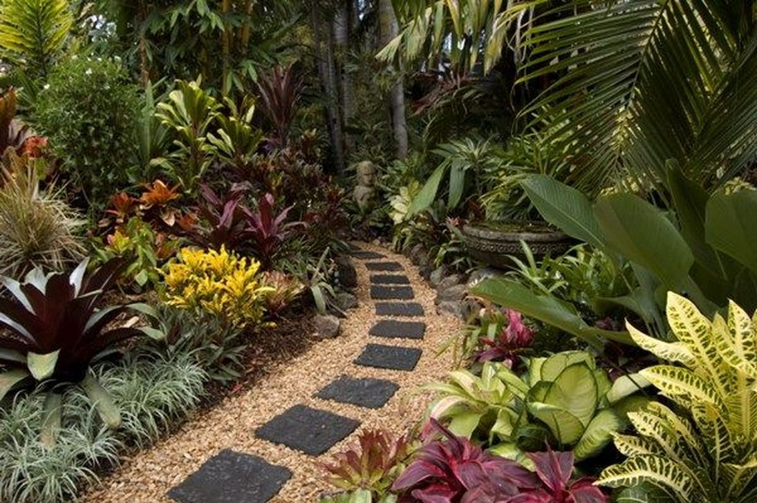 20+ Wonderful Tropical Landscaping Ideas For Garden ... on Tropical Small Backyard Ideas id=50476