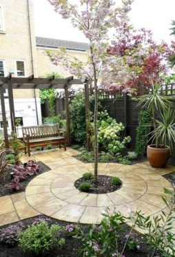 Beautiful Front Yard Cottage Ideas For Garden Landscaping15