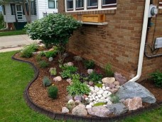 Beautiful Front Yard Cottage Ideas For Garden Landscaping26