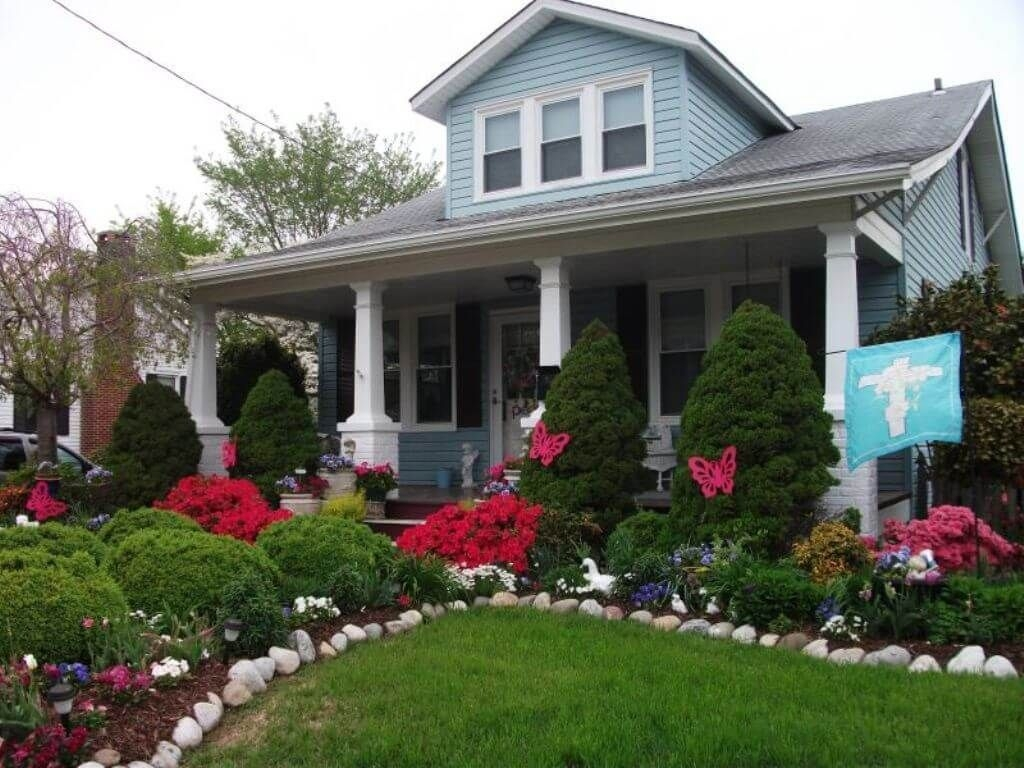 Beautiful Front Yard Cottage Ideas For Garden Landscaping40