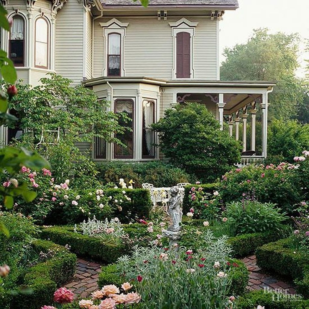 20+ Beautiful Front Yard Cottage Ideas For Garden ... on Cottage Yard Ideas id=94159