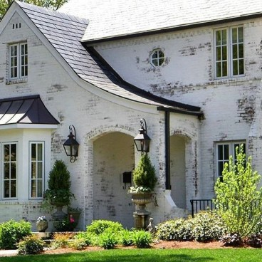 Elegant Brick Exterior Designs Ideas10