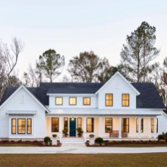 Popular Farmhouse Exterior Design Ideas18