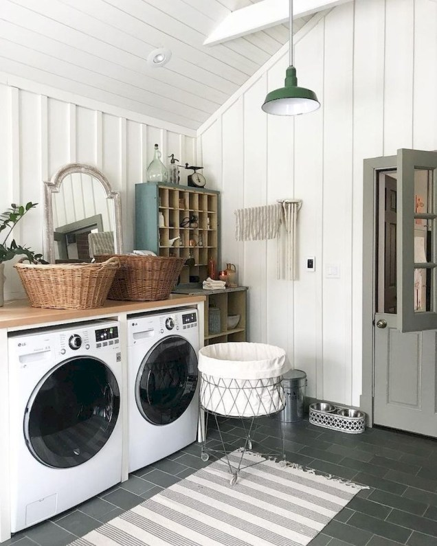 Popular Farmhouse Laundry Room Design Ideas42