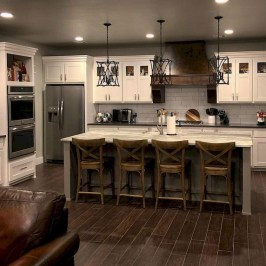 Pretty Farmhouse Kitchen Design Ideas To Get Traditional Accent16