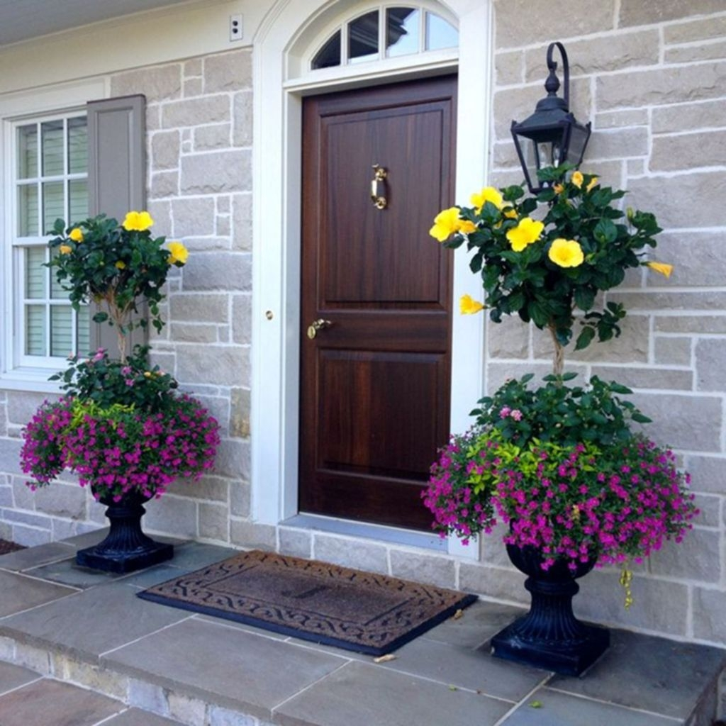 Adorable Porch Planter Ideas That Will Give A Unique Look02
