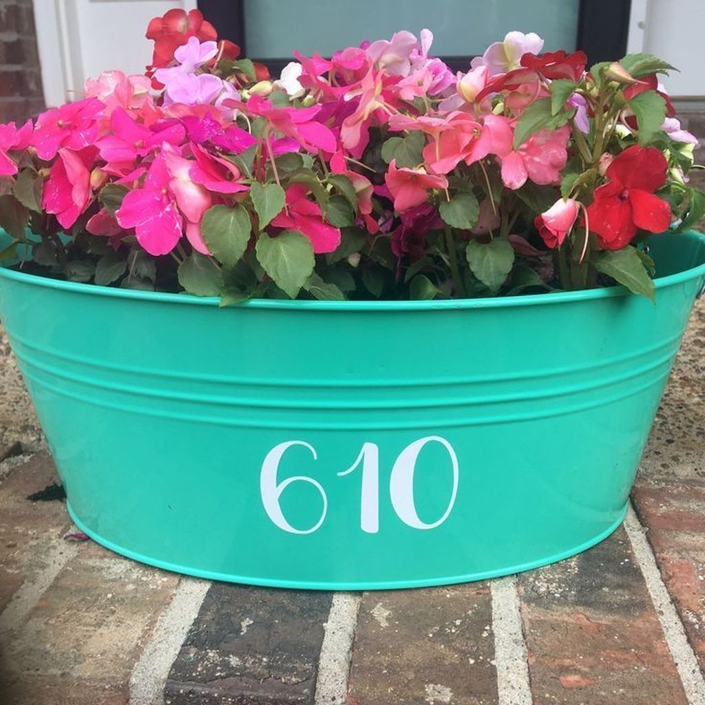 Adorable Porch Planter Ideas That Will Give A Unique Look25