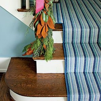 Beautiful Color Ideas For Your Stairs Decoration08