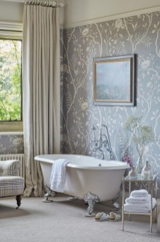 Charming Traditional Bathroom Decoration Ideas Just Like This10